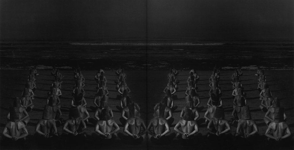 Confused Gravitation 混乱する引力 (© by Yuriko Takagi)