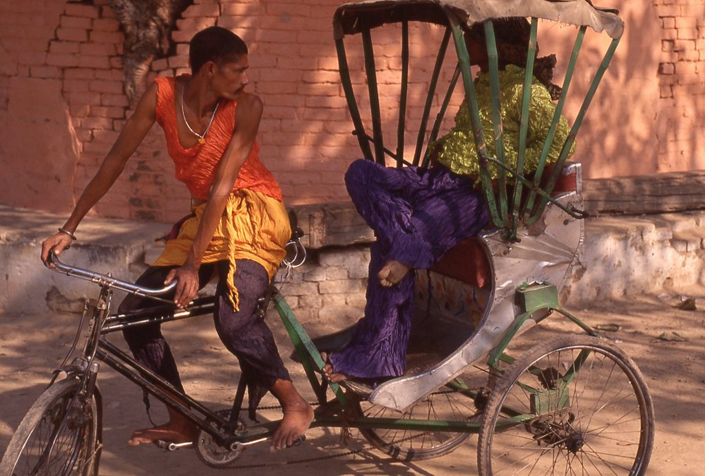 Pleats Please travel through India (© by Yuriko Takagi)